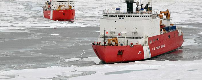 Trasformatori per Applicazioni Navali - Navi in mare in mezzo al ghiaccio